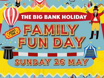 Promotional banner for Family Fun Day at Fontwell Park Racecourse.