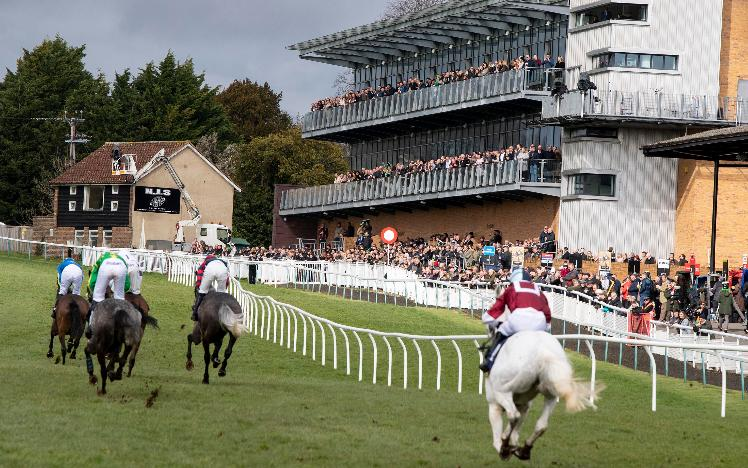 British horseracing confirms decision to race behind closed doors